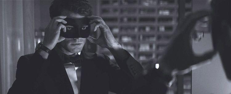 Кадр из фильма на 50 оттенков темнее